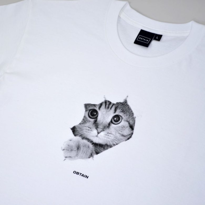 OBTAIN Cute Cat T-Shirt. Color: white. 100% cotton. Handprinted in Germany.